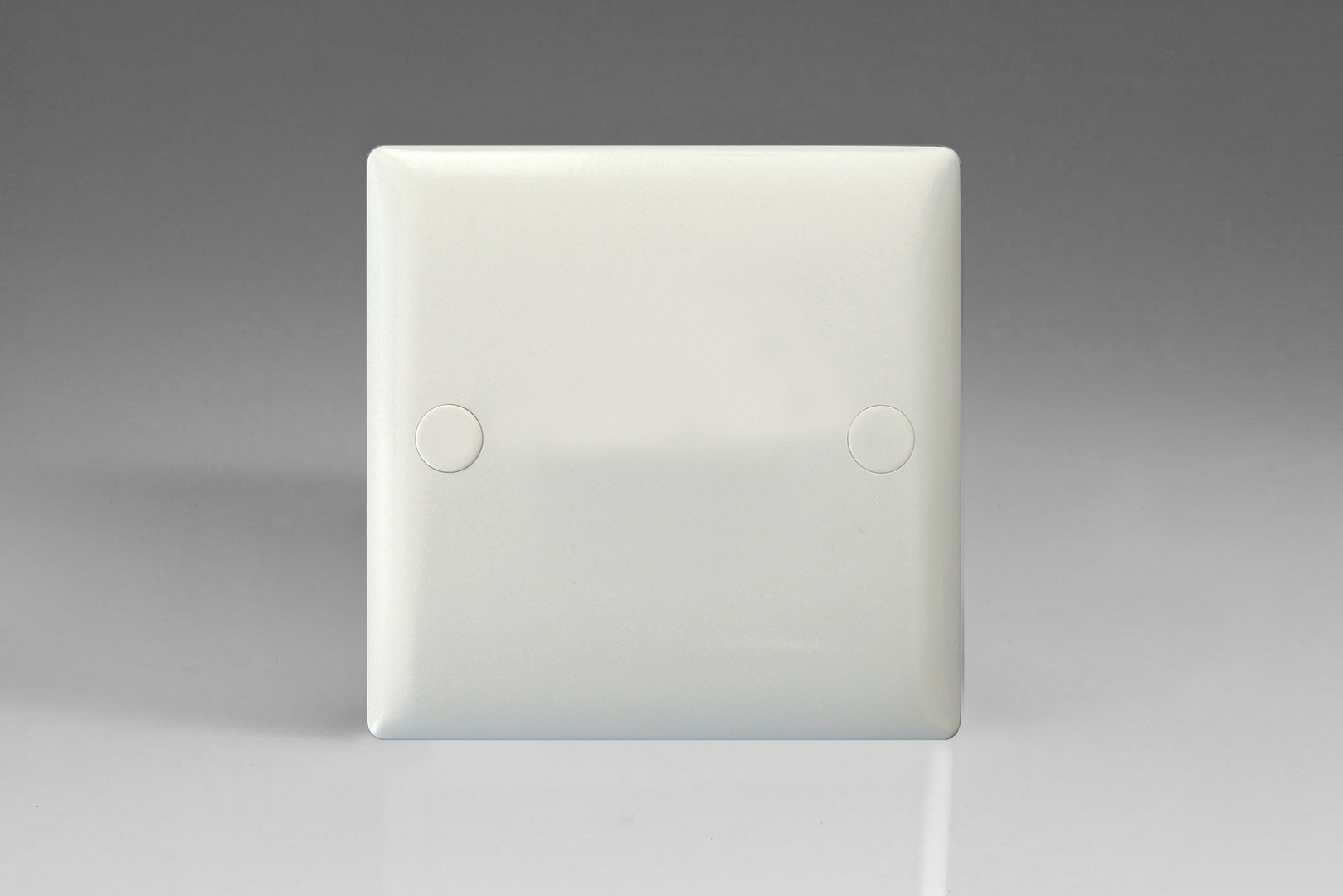 Varilight XO1W Value Polar White 1 Gang 10A 1 or 2 Way Rocker Light Switch